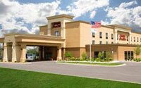 Hampton Inn & Suites Grand Rapids Airport