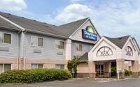Days Inn & Suites Portland Airport